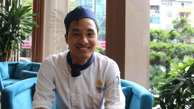 Bạn Kiều Cao Thụ, sau khi tốt nghiệp ngành Nấu ăn, Trường Cao đẳng Du lịch Hà Nội, hiện đang là đầu bếp trong một khách sạn 4 sao ở Hà Nội.