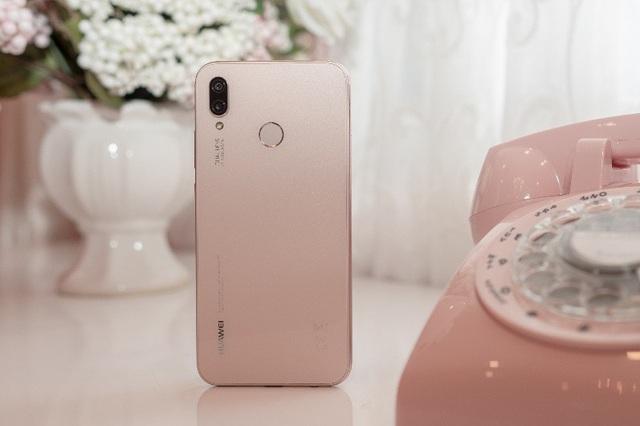 Huawei đưa smartphone màu sắc hồng đầu tiên về Việt Nam - 3