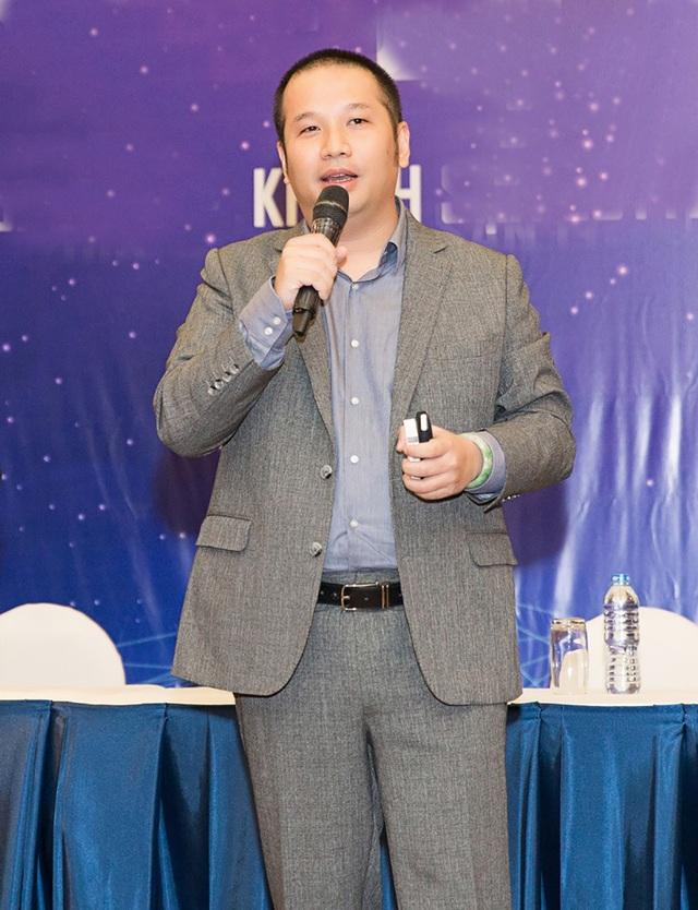 Đạo diễn Quang Huy, người đã từng làm nên tên tuổi của nhiều thế hệ ca sĩ chia sẻ: Chúng tôi mong muốn tạo nên một nền giải trí tốt của riêng Việt Nam cùng những bạn trẻ sung sức và tài năng ấy. Chính vì thế, chúng tôi đã mạnh dạn bỏ ra 3 năm để xây dựng format cho chương trình.