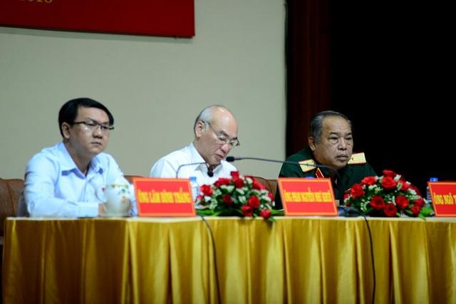 Tại buổi tiếp xúc cử tri có sự hiện diện của ông Ngô Tuấn Nghĩa, Lâm Đình Thắng và ông Phan Nguyễn Như Khuê.