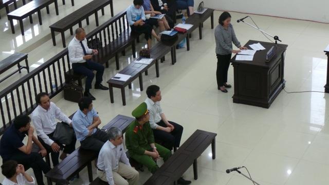 Bà Võ Thị Thanh Xuân, vợ cựu TGĐ Oceanbank Nguyễn Xuân Sơn, trình bày tại tòa phúc thẩm.