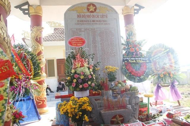 Bia tưởng niệm 55 liệt sĩ hy sinh trong trận chiến tại Gio Thành ngày 6/5/1968