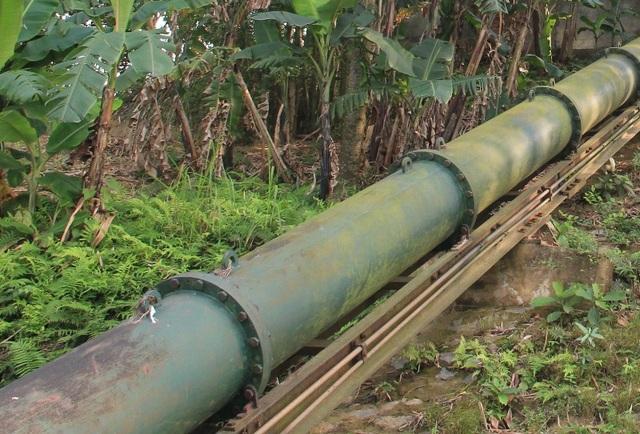Công trình tiền tỷ với thiết bị nhập từ nước ngoài nhưng phải bỏ không, trong khi nhiều diện tích sản xuất tại địa phương thiếu nước