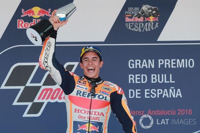 Marquez thắng dễ trong ngày Lorenzo gây ra tai nạn nghiêm trọng - 3
