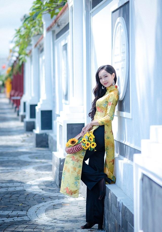 Cô gái đến từ Nghệ An sở hữu chiều cao lý tưởng cùng gương mặt xinh đẹp như thiên thần đang gây thương nhớ bao chàng trai.