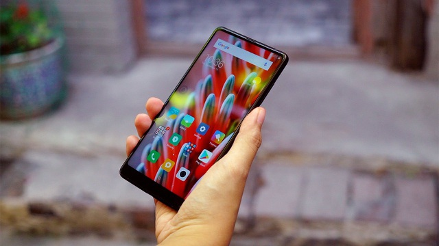 Loạt smartphone giảm giá đầu tháng 9/2018 - 3