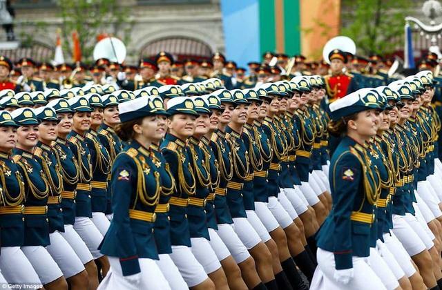 Theo thông cáo của Bộ Quốc phòng Nga, hơn 55.000 binh sĩ và 1.200 khí tài sẽ tham gia vào lễ duyệt binh trên khắp nước Nga nhân dịp kỷ niệm 73 năm Ngày Chiến Thắng. (Ảnh: Getty)