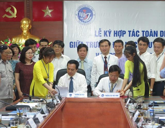 Trường ĐH Vinh và trường ĐH Nguyễn Tất Thành đã thống nhất ký kết thỏa thuận hợp tác toàn diện với 12 nội dung.