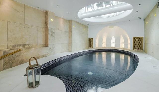 Một công trình bể bơi sang trọng dưới lòng đất thủ đô London (Ảnh: James Baily)