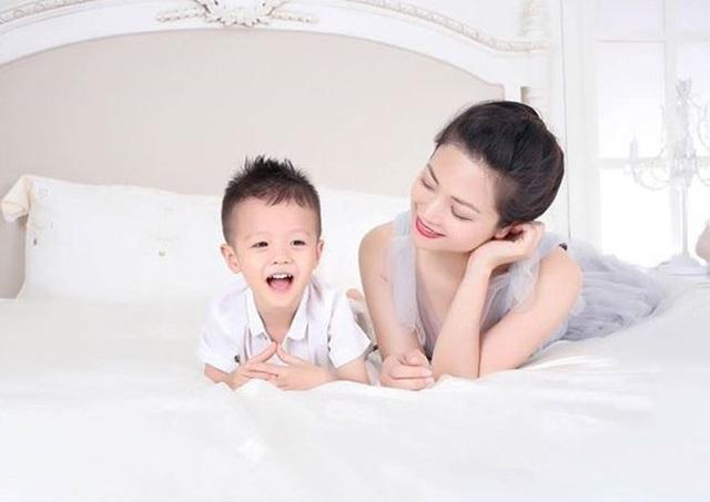Kiều Anh hài lòng với cuộc sống của bà mẹ đơn thân.
