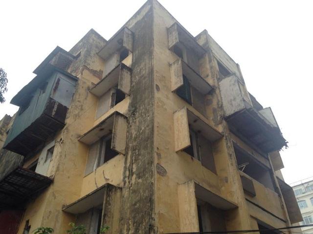Dự án chung cư 93 Láng Hạ với quy mô là tổ hợp thương mại, văn phòng cho thuê và căn hộ chung cư 27 tầng và 3 tầng hầm.