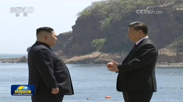 Truyền thông Trung Quốc đưa tin hai nhà lãnh đạo đã trao đổi về nhiều vấn đề quan tâm chung, trong đó có chủ đề phi hạt nhân hóa (Ảnh: CCTV)