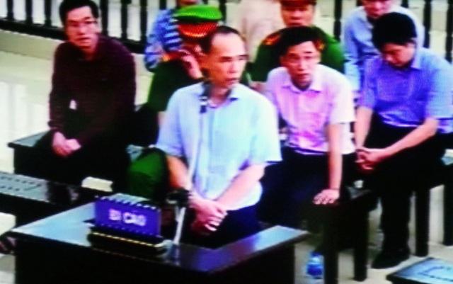 Cựu Tổng Giám đốc PVC trả lời HĐXX.