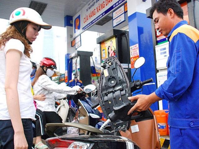 Liên Bộ Tài chính - Công Thương tăng giá xăng dầu kể từ chiều nay (8/5).