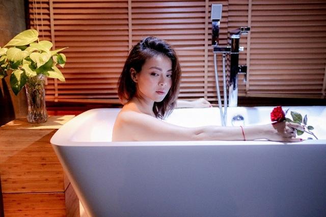 Nguyễn Hải Yến táo bạo và gợi cảm trong hình ảnh mà cô cho rằng mình đã trưởng thành hơn trong âm nhạc và cuộc sống ở tuổi 30.