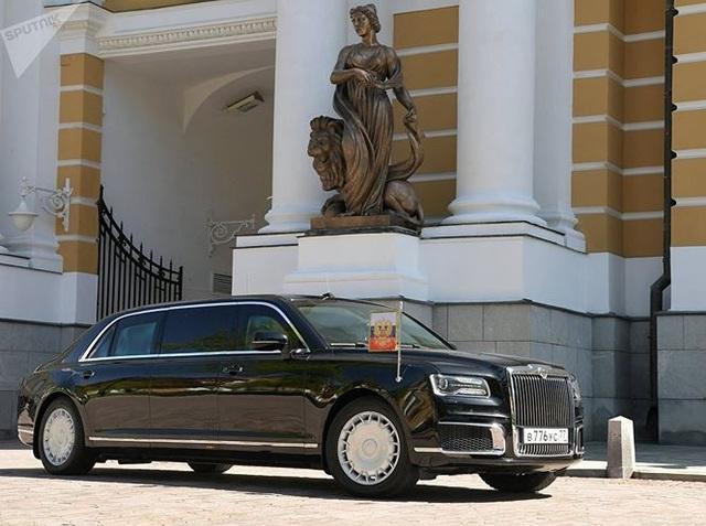 Gương cửa và bộ la-zăng cũng phảng phất phong cách Rolls-Royce.