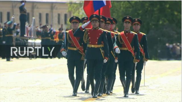 Nga trình diễn hàng trăm khí tài trong lễ duyệt binh mừng ngày Chiến thắng - 59