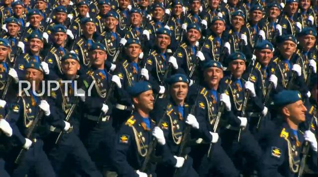 Nga trình diễn hàng trăm khí tài trong lễ duyệt binh mừng ngày Chiến thắng - 40