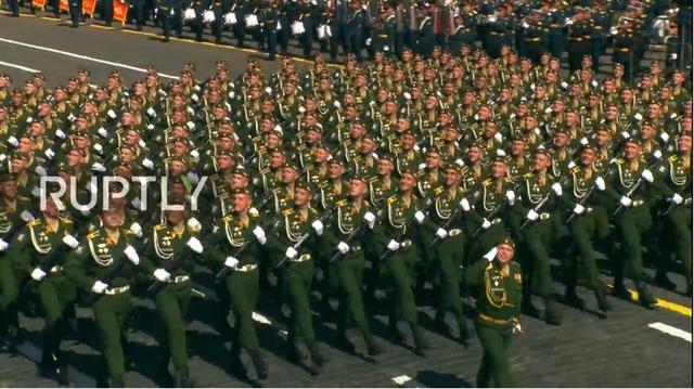 Nga trình diễn hàng trăm khí tài trong lễ duyệt binh mừng ngày Chiến thắng - 41