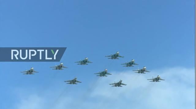 Nga trình diễn hàng trăm khí tài trong lễ duyệt binh mừng ngày Chiến thắng - 7