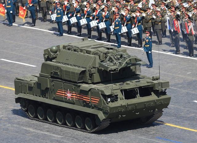 Hệ thống tên lửa phòng không TOR-M2 (Ảnh: Reuters)