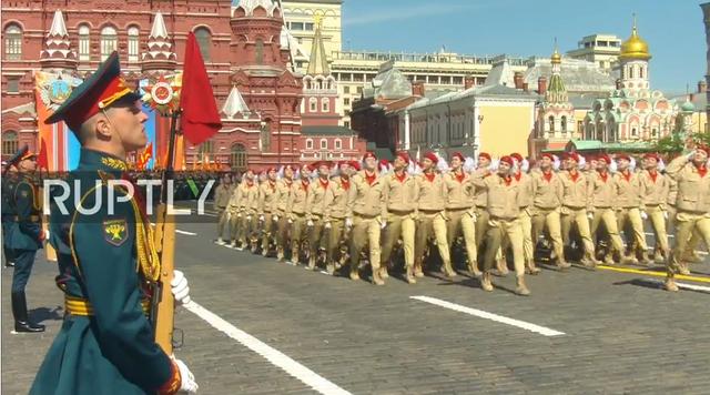 Nga trình diễn hàng trăm khí tài trong lễ duyệt binh mừng ngày Chiến thắng - 42