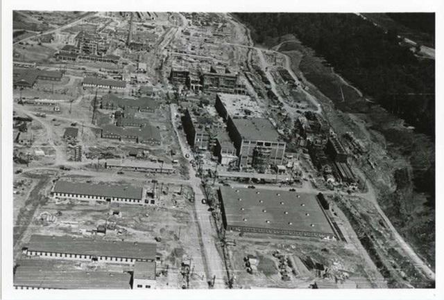 Ảnh chụp nhà máy Y-12 từ trên cao