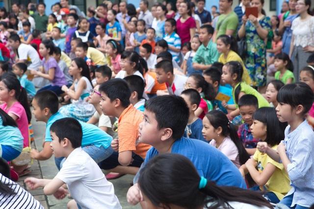 Lễ Hội Mùa Hè do Language Link Việt Nam tổ chức với nhiều hoạt động hấp dẫn đáp ứng nhiều sở thích khác nhau của trẻ em đã thu hút tới 700 bạn nhỏ vào năm 2017.