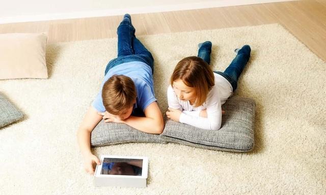 Để trẻ nhỏ tiếp cận sớm với công nghệ - đúng hay sai?