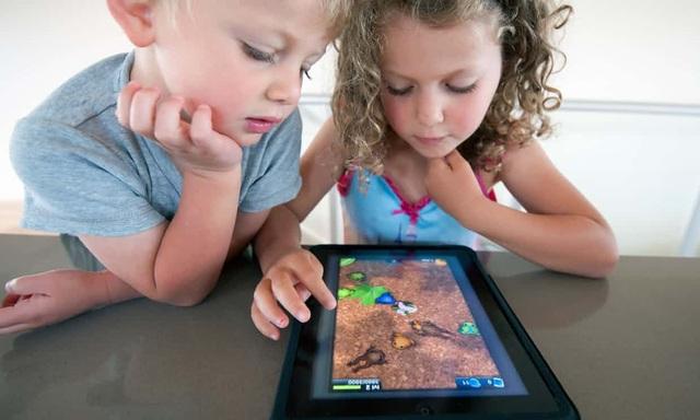 Phụ huynh nên nhìn nhận rằng mỗi thời một khác, và trẻ em ngày nay đều có xu hướng được sớm tiếp cận với công nghệ hiện đại.
