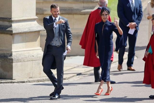 Đôi vợ chồng nổi tiếng nước Anh rất bực tức với thông tin này và đại diện của vợ chồng Beckham sau đó đã lên tiếng phủ nhận tin đồn