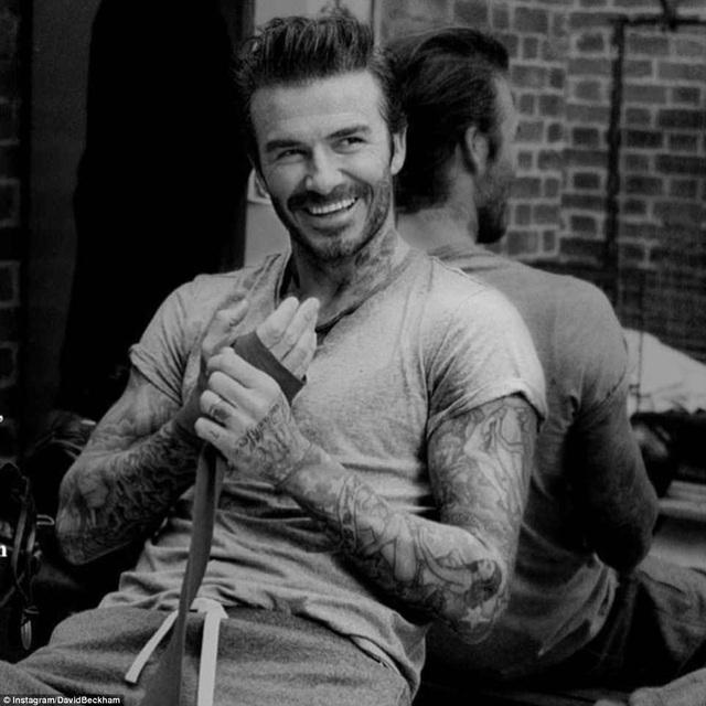 Danh thủ David Beckham cũng xuất hiện thường xuyên trên mạng xã hội với hình ảnh tươi tắn