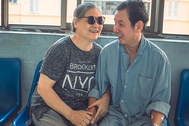 Câu chuyện xúc động đằng sau bộ ảnh đôi vợ chồng ở bệnh viện - 4