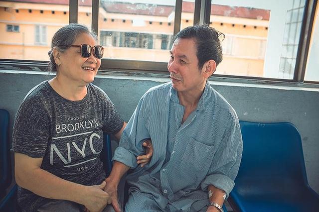 Câu chuyện xúc động đằng sau bộ ảnh đôi vợ chồng ở bệnh viện - 6