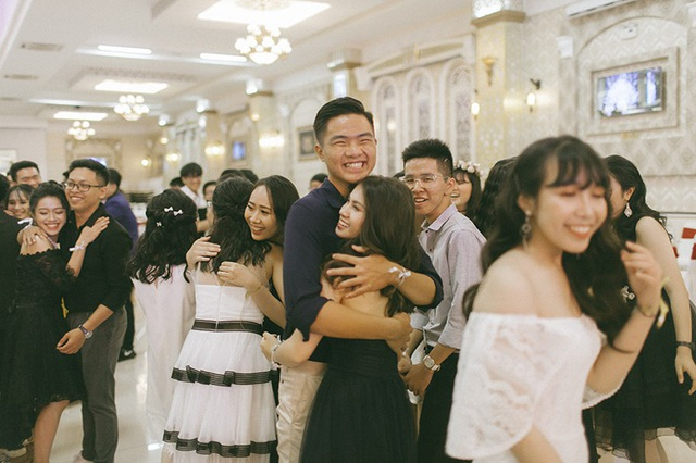 Teen cuối cấp phố núi dự Prom sang trọng như tiệc Hoàng gia - 9