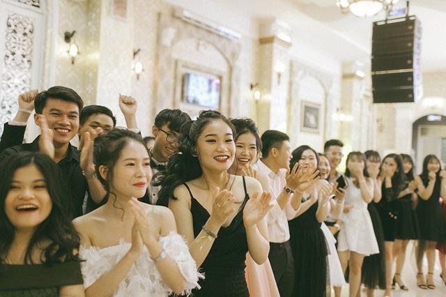 Teen cuối cấp phố núi dự Prom sang trọng như tiệc Hoàng gia - 11