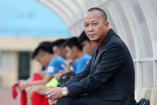 Chủ tịch CLB Than Quảng Ninh, ông Phạm Thanh Hùng tuyên bố sẵn sàng ngán chân CLB Hà Nội trong cuộc đua đến ngôi vô địch V-League 2018