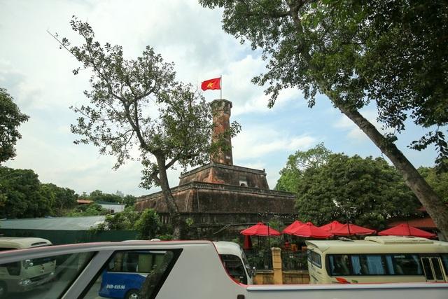 Di tích cột cờ Hà Nội.
