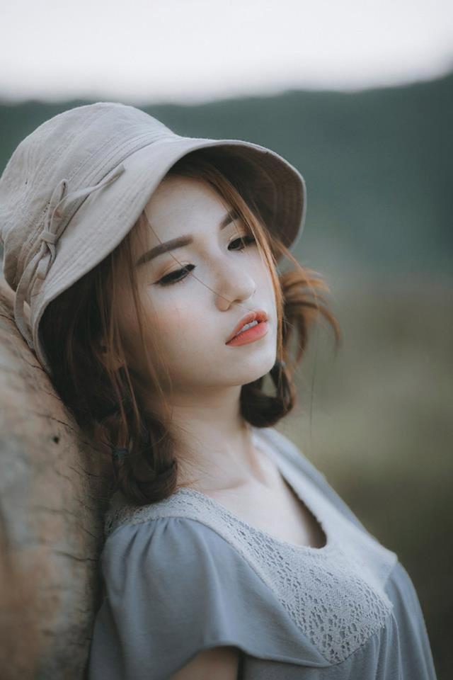 Tình yêu đâu phải là tất cả, ngoài kia còn biết bao nhiêu điều đáng để em bận tâm. (Ảnh minh họa: Dương Minh Vương)