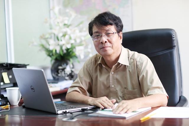Ông Đào Kiến Quốc, nguyên Phó Viện trưởng Viện CNTT, nguyên Giám đốc Trung tâm Ứng dụng CNTT, giảng viên CNTT trường Đại học Công nghệ, Đại học Quốc gia Hà Nội,