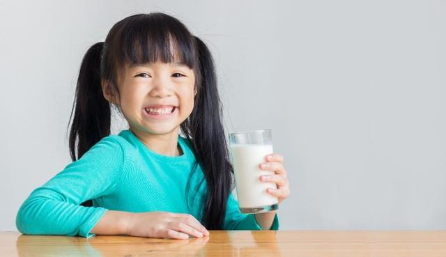 Với đầu vào được kiểm soát chặt chẽ theo tiêu chuẩn Châu Âu, Cô Gái Hà Lan cam kết mang đến nguồn sữa an toàn cho người dùng Việt