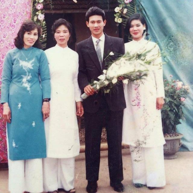 Bức ảnh ngày cưới của chú Nguyễn Công Minh