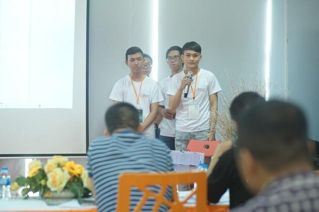 Sản phẩm báo cháy thông minh của bốn chàng sinh viên FPT Edu đã nhận được giải Nhì trong cuộc đua lập trình FPT Edu Hackathon 2018 và được các chuyên gia công nghệ đánh giá cao.