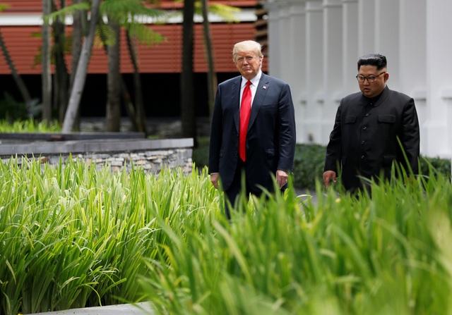 Đây không phải khoảng thời gian riêng tư duy nhất của hai nhà lãnh đạo. Sáng nay, ông Trump và ông Kim Jong-un cũng đã có cuộc họp kín trước khi tiến hành phiên họp mở rộng với sự tham gia của phái đoàn hai nước.