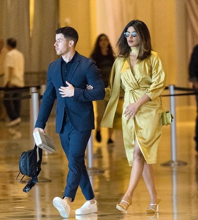 Priyanka Chopra và Nick Jonas quen nhau từ 1 năm trước nhưng chỉ mới hẹn hò được ít tuần