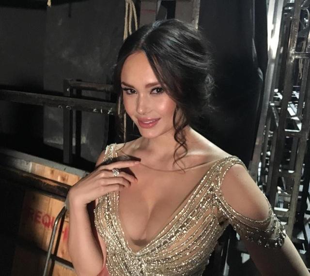 Ngay sau khi xuất hiện thông tin về người đẹp sẽ biểu diễn trong lễ khai mạc, ngay lập tức, tài khoản mạng xã hội của Aida tăng số lượt theo dõi một cách đột biến lên con số gần 500.000 tài khoản.