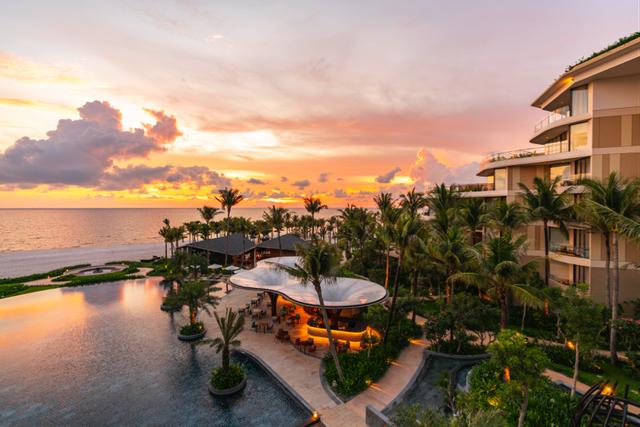 InterContinental Phu Quoc Long Beach Resort tọa lạc tại Bãi Trường với hoàng hôn rực rỡ nhất đảo Phú Quốc