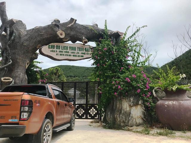 UBND huyện đề nghị UBND tỉnh Nghệ An, Ban quản lý khu kinh tế Đông Nam đình chỉ ngay hoạt động của trang trại này, giao thời gian khắc phục các vi phạm nêu trên. Đồng thời, trong trường hợp công ty không thực hiện thì yêu cầu rút giấy chứng nhận đầu tư và thu hồi dự án.
