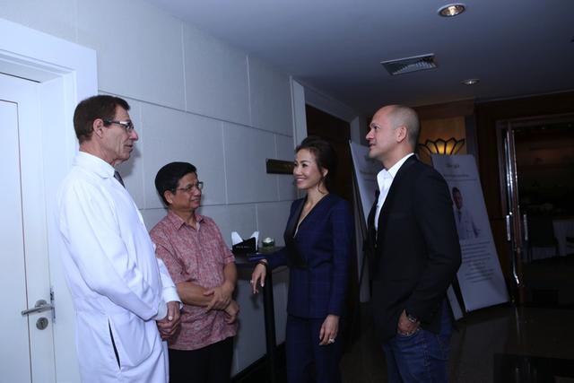 Tiến sĩ Terry Grossman – Chuyên gia hàng đầu đến từ bệnh Viện Bumrungrad Thái Lan