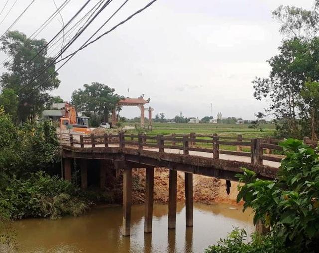 Cây cầu đã bị xuống cấp trầm trọng